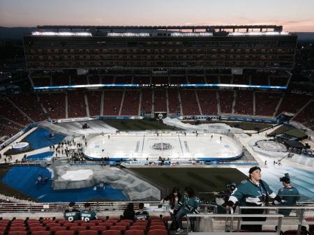 Levi's Stadium hosting a hockey game